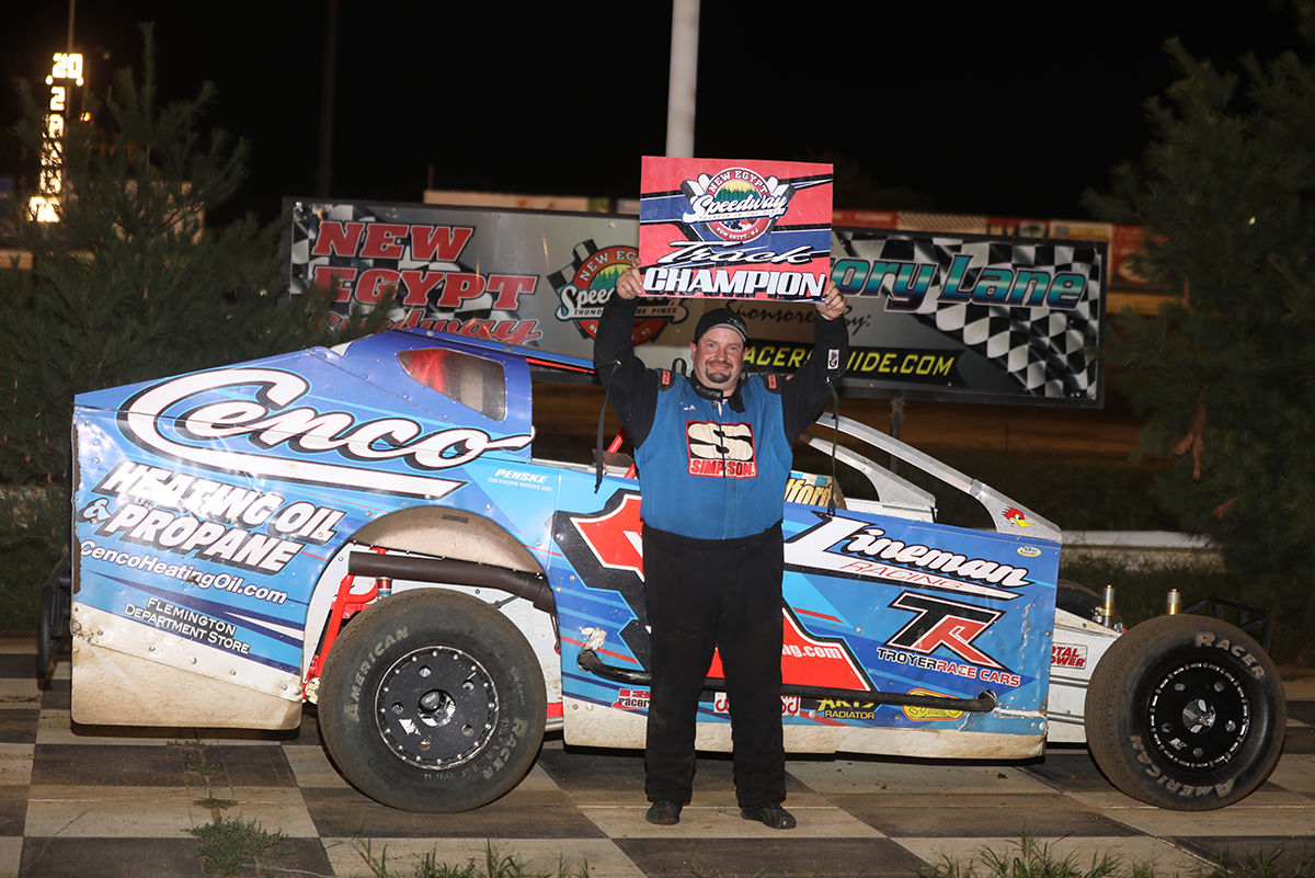 DUPREE DRIVES INTO VICTORY LANE AS LINEMAN IS CROWNED HAMMER SPORTSMAN CHAMPION AT NEW EGYPT SPEEDWAY